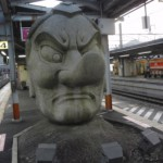 高尾山口駅からJR高尾駅を通って新宿に向け出発