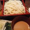 伊香保温泉「鳥居」で水沢うどんを食す