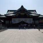 靖国神社の拝殿、本殿