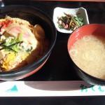 筑波山 コマ展望台 つくば軍鶏親子丼を食す