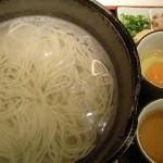 五島うどん つばき、長崎空港で「地獄炊き」を食す