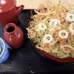 千本桜、上田城近くのそば屋で真田六文銭の天ぷらそばを食す