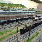 鉄道車両年表で歴史を学び、鉄道ジオラマで街並みを楽しむ