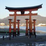 厳島神社、大鳥居まで接近、2つの扁額の違いなど