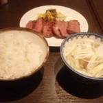 仙台駅で牛たん屋「利久」で昼食、その後那須塩原駅へ