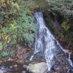 不動滝から万葉公園へ